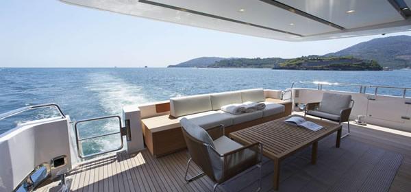 Luxury Motor Yacht Indigo