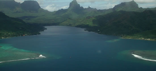 Baia di Opunohu sulla costa settentrionale di Tahiti