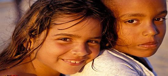 Bambini a Guanabo Beach