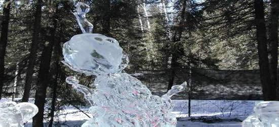 Scultura di ghiaccio dell'Alaska