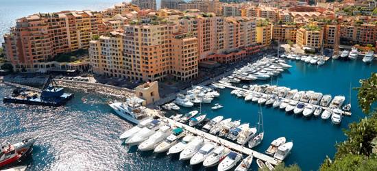 Vista Elevata del Porto di Monaco