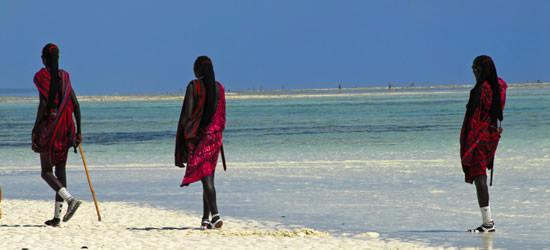 Masai sulla spiaggia