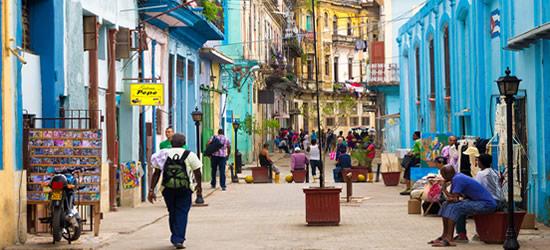Strade colorate di Cuba