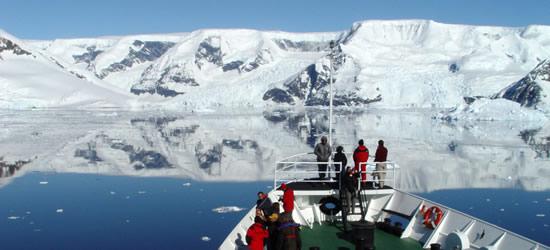 Vista da una barca, Antartide